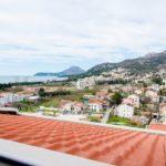 0268 Двухуровневая квартира с видом на море Вид с спальни