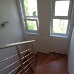 0212 Двухэтажный дом в Баре лестница