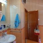 0212 Двухэтажный дом в Баре ванна на 2 этаже