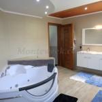 0248 Трехэтажный дом в пригороде Бара - Полье Ванная комната