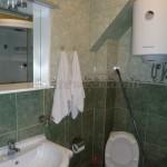0232 Трехкомнатная квартира с видом на море санузел