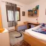 Комфортабельный дом с тремя спальнями Спальня 2