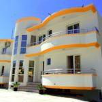 Вилла с апартаментами на 2 линии от моря