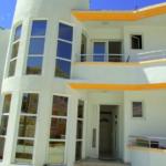 Вилла с апартаментами на 2 линии от моря Вилла