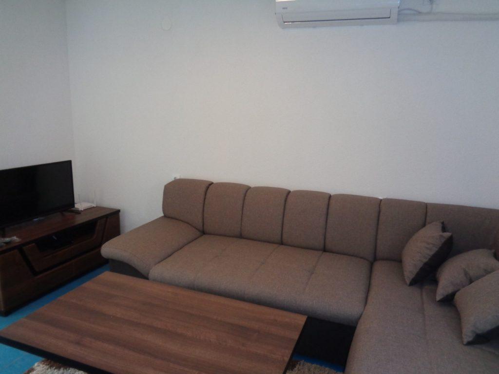 Приятная квартира в частном доме