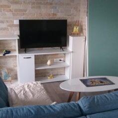 Апартамент в пригороде Бара