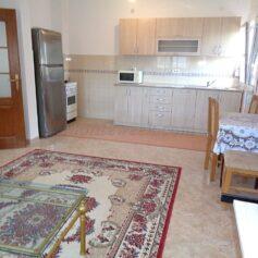 Апартамент с 2 спальнями в частном доме