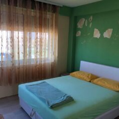 Квартира с отдельной спальней в городе Бар