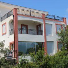 0218 Комфортабельный дом с видом на море
