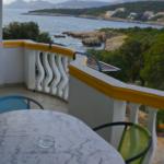 Вилла с апартаментами у моря
